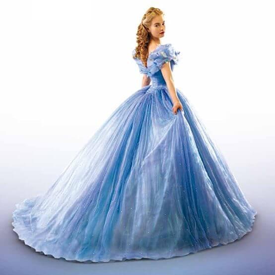 Cendrillon lila sur sa terrasse - Princesse qui danse ...