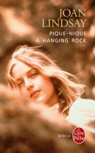 Joan Lindsay – Pique-nique à Hanging Rock Bib (2016)  Pique-nique-%C3%A0-hanging-rock-186x300